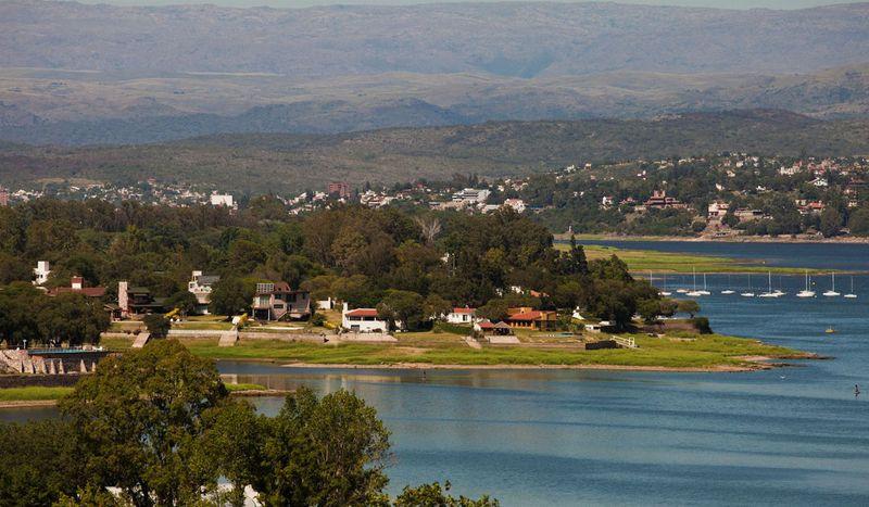 Empresarios de Carlos Paz piden a las autoridades provinciales la reapertura «urgente» del turismo