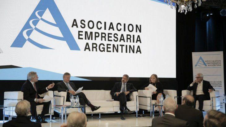 Cámaras empresariales afirman que proyecto de Aporte Solidario «descapitaliza a las empresas»