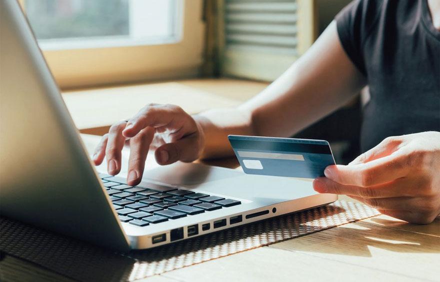El comercio electrónico creció 124% en 2020 y superó los $900 mil millones en facturación