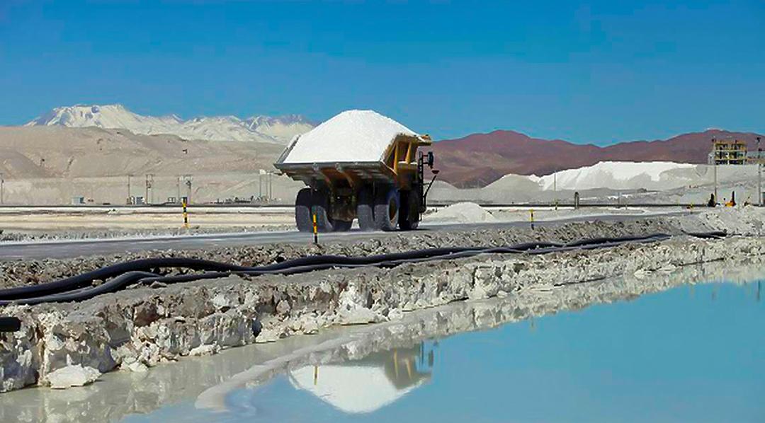 Cámara empresaria minera destaca rol que puede desarrollar YPF en mercado del litio