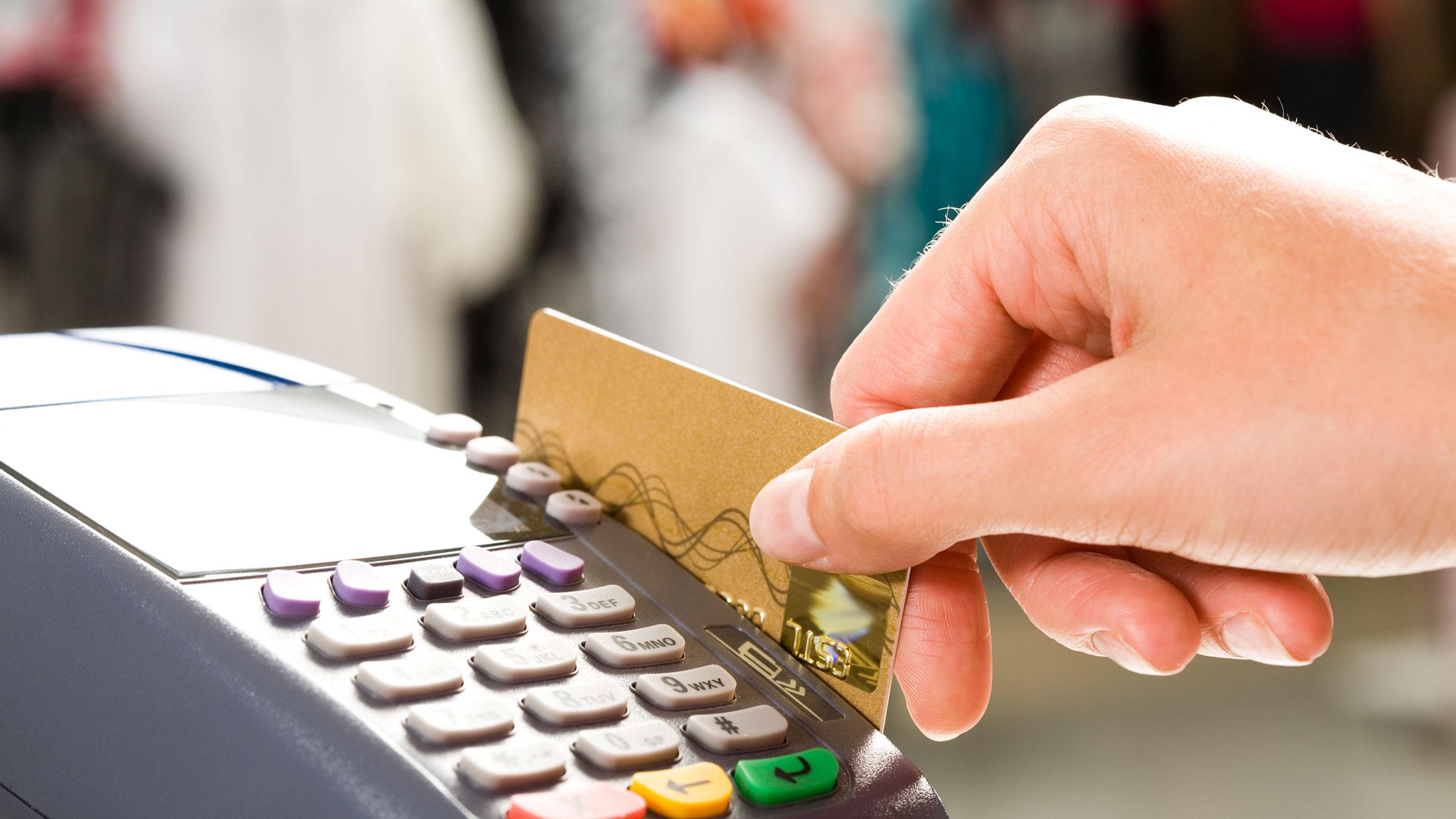 Comercios recibirán la acreditación de pagos con débito en un día